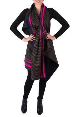 Adriana Santacruz Mantarray handgemaakte poncho Ethnic Luxury voorkant
