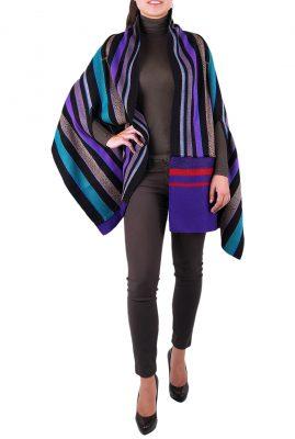 Adriana Santacruz Manto Coralina handgemaakte poncho Ethnic Luxury voorkant