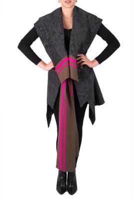 Adriana Santacruz Halcon Estrella handgemaakte poncho Ethnic Luxury voorkant