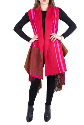 Adriana Santacruz Abrigo de Luz handgemaakte poncho Ethnic Luxury voorkant